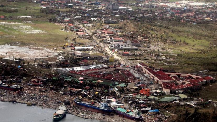 lat-typhoon-haiyan-wre0012312513-20131109